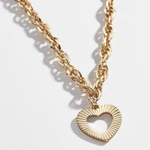 | love chain necklace |